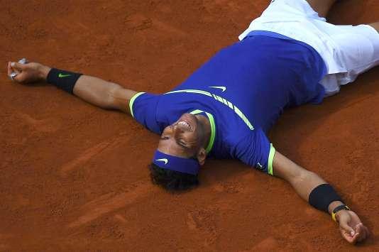 Rafael Nadal après sa victoire contre le Suisse Stanislas Wawrinka, à Roland-Garros (Paris), le 11 juin.