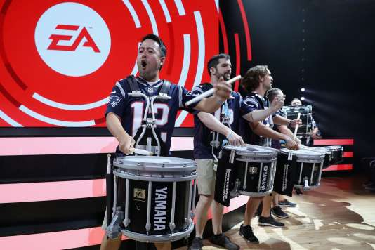 Electronic Arts a annoncé 1 million d'euros pour aider des associations de soutien aux femmes et aux minorités.