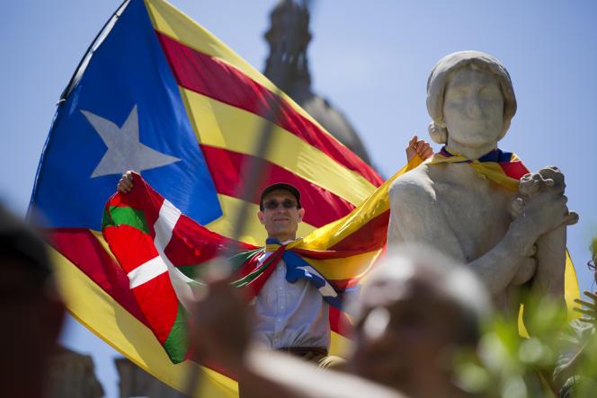 Lors d'une manifestation de soutien au référendum catalan, àBarcelone, le 11 juin.