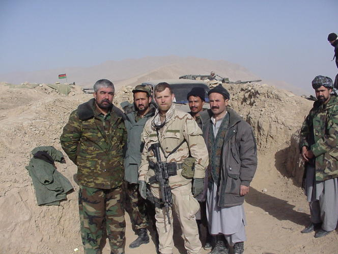 Mark Nutsch et son équipe de la Team 595, en 2001 dans la région de Mazar-e-Charif (Afghanistan).