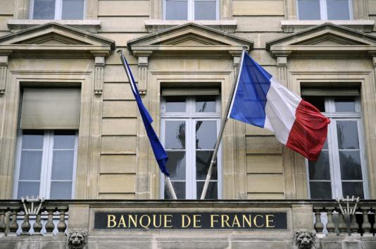 Dans les services, l'activité a été dynamique. « Le travail temporaire repart, tandis que les activités informatiques marquent une pause », explique la Banque de France dans son communiqué. Les chefs d'entreprise restent optimistes pour juin et prévoient une hausse de l'activité.