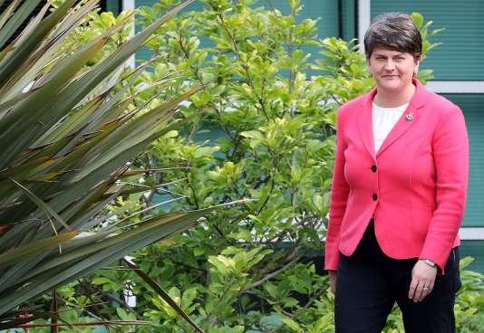 La dirigeante du Parti démocratique unioniste d'Irlande du Nord, Arlene Foster, lundi 12 juin.