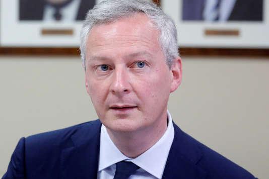 Le ministre de l'économie, Bruno Le Maire, à Athènes, le 12 juin.