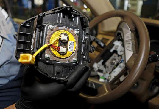 Un airbag défectueux de l'équipementier automobile Takata, en juin 2015.