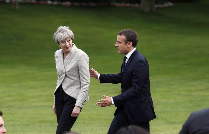 Emmanuel Macron et Theresa May, le 13 juin, à l'Elysée, à Paris.