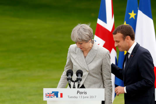 Emmanuel Macron et Theresa May, le 13 juin à Paris.