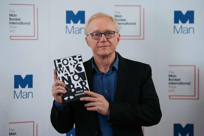 David Grossman lauréat du Man Booker International pour« Un cheval entre dans un bar», le 14 juin, à Londres.