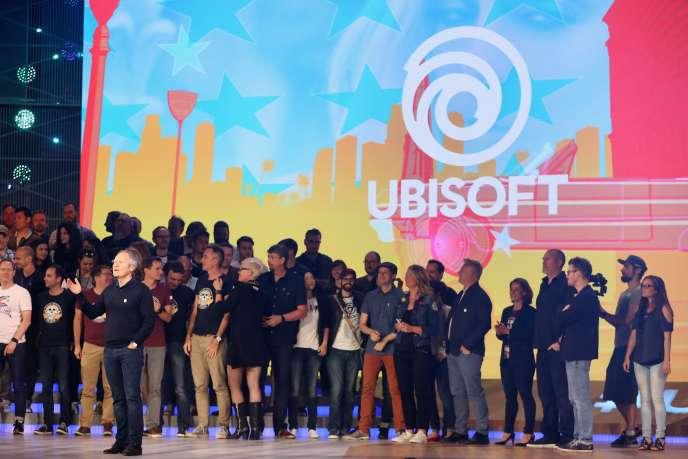 Les équipes d'Ubisoft montent sur la scène à l'issue d'une des séquences les plus marquantes de cet E3.