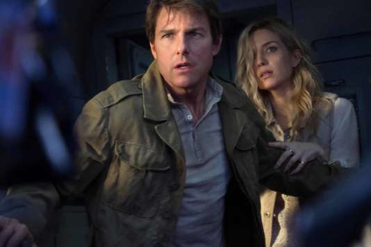 Tom Cruise et Annabelle Wallis dans le film américain d'Alex Kurtzman, « La Momie » (« The Mummy »).