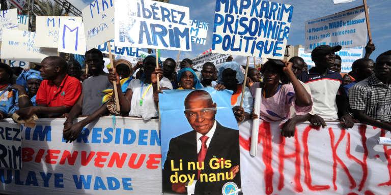 A Dakar, en 2014, manifestation pour la libération de Karim Wade, fils de l'ex-président sénégalais Abdoulaye Wade et son retour en politique.