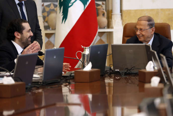 Le premier ministre libanais Saad Hariri et le président Michel Aoun au palais présidentiel de Baabda, à Beyrouth le 14 juin.