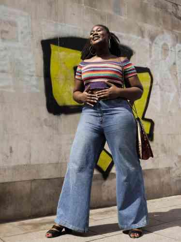 Christelle Oyiri, 24 ans,est journaliste et DJ. Elle estnotamment membre du site Atoubaa, qui présente art, culture et bien-être vuspar des femmes noires.