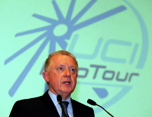 Le président de l'Union cycliste internationale (UCI) Hein Verbruggen en 2003 lors d'une présentation du ProTour.