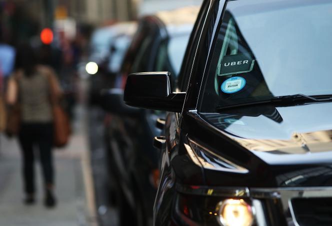 Le logo Uber sur une voiture dans les rues de New-York, le 14 juin.