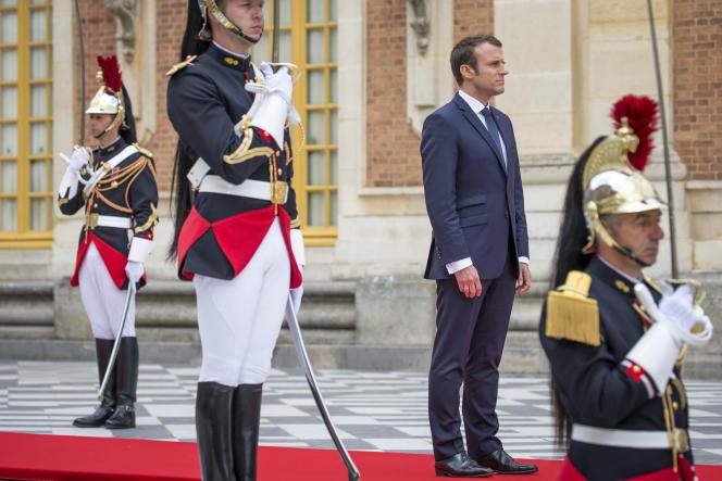 Emmanuel Macron reçoit Vladimir Poutine au château de Versailles, le 29 mai.