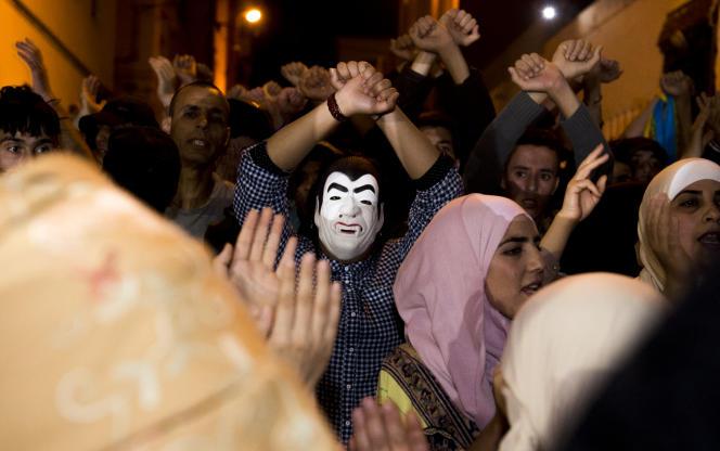 Des protestaires du mouvement Hiraklors d'une manifestation à Al-Hoceima le 11 juin 2017/ AFP PHOTO / FADEL SENNA