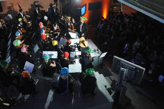 Concert de Pixelophonia dans le hall du siège du «Monde» dans le cadre du «off» du Monde Festival à Paris, en septembre 2016.
