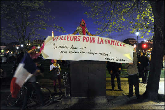 Place des Invalides, à Paris, le 17 avril 2013, lors d'une manifestation contre le mariage pour tous.