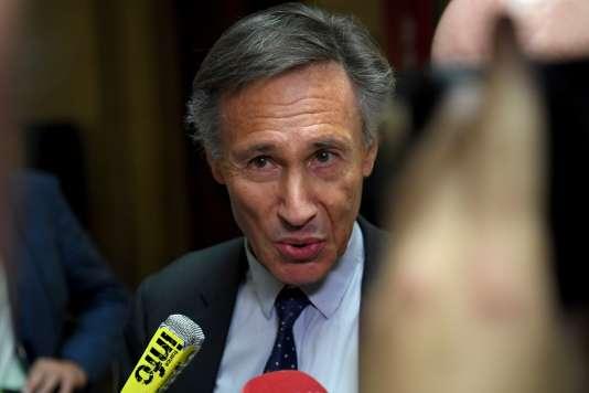 Le pneumologue Michel Aubier lors de son arrivée au tribunal correctionnel de Paris, le 14 juin.
