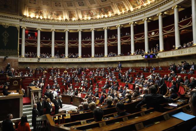 Séance à l'Assemblée nationale à Paris, le 22 février.