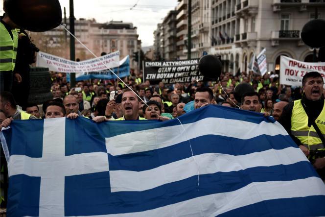 Manifestation anti-austérité dans les rue d'Athènes, le 17 mai .