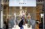 « Le succès de la marque low cost va jusqu'à faire trembler, sur ses propres terres, le géant Zara, l'enseigne espagnole qui a conquis le monde» (Photo: Zara, à Madrid, en 2016).