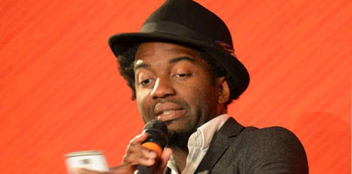 Le poète camerounais Marc Alexandre Oho Bambe, à Lille, en avril 2016.