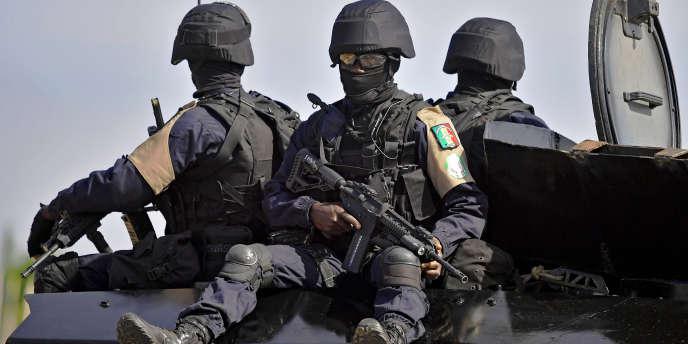 Des soldats sénégalais du contingent de la Communauté économique des Etats d'Afrique de l'Ouest'Cédéao), à Banjul, en janvier 2017.