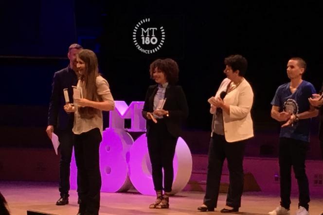 Sabrina Fadloun reçoit le 1er prix de la finale« Ma thèse en 180 secondes»