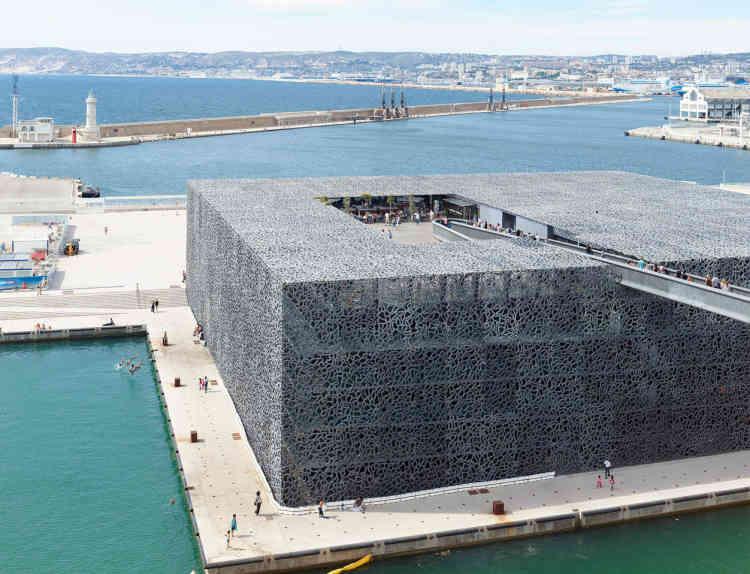 Le Musée des civilisations de l'Europe et de la Méditerranée, ou Mucem, dessiné par l'architecte Rudy Ricciotti, a été inauguré en juin 2013.