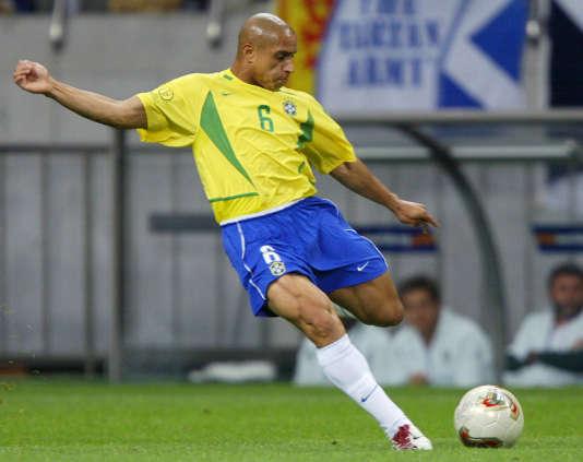 Roberto Carlos est soupçonné d'avoir fréquenté le docteur Julio Cesar Alves, adepte des produits dopants.