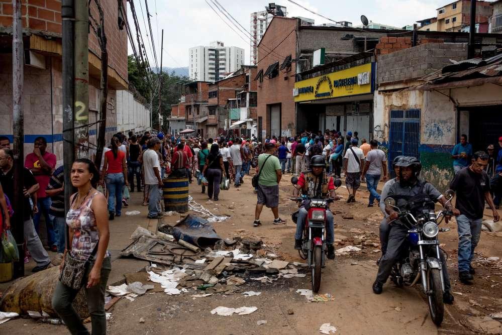Le quartier La Vega au lendemain d'une nuit de pillage, le 21 avril.