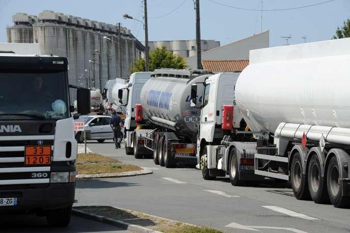 Les conducteurs de camions-citernes avaient fait grève à la fin du mois de mai pour demander une amélioration de leurs conditions de travail.