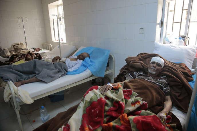 Plus de 130 000 cas présumés de choléra ont été enregistrés au Yémen et 970personnes sont mortes de la maladie, dont pour moitié des femmes et des enfants, affirme le coordinateur de l'ONU au Yémen, Jamie McGoldrick.