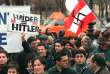 Le 6février 2000, sur l'esplanade des Invalides, à Paris, lors d'un rassemblement protestant contre la présence du FPÖ dans le gouvernement autrichien.