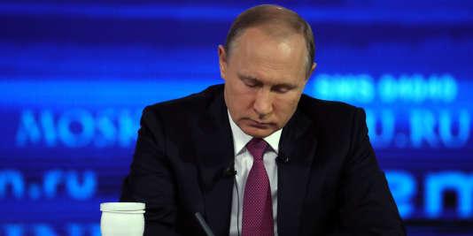 « La récession est terminée », a insisté M. Poutine, reconnaissant néanmoins que le nombre de personnes vivant sous le seuil de pauvreté avait augmenté de manière «préoccupante» dans le pays