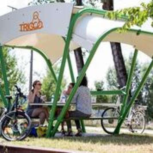 Conçu par la jeune designer Elodie Saugues, Trioco offre un espace de coworking en plein air, intégré et connecté, aux professionnels et aux étudiants.