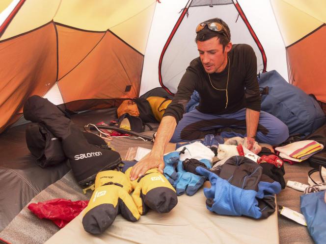 Kilian Jornet se prépare à l'ascension de l'Everest.