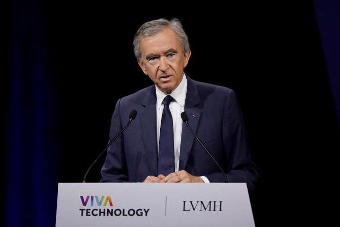 Bernard Arnault – ici le 16juin 2017–, président de LVMH, est la première fortune de France.