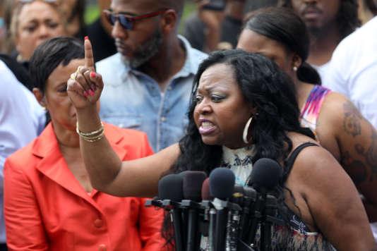 Valerie Castile, la mère de Philando Castile, réagit à l'acquittement du policier qui a tué son fils, le 16 juin.