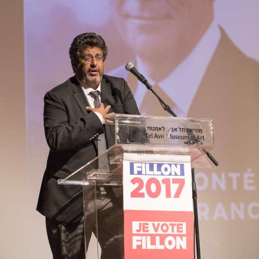 Meyer Habib, lors d'un meeting de soutien à François Fillon, le 20 avril, à Tel Aviv.