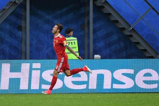 Fedor Smolov célèbre son but lors de la victoire (2-0) de la Russie, samedi, contre la Nouvelle-Zélande.