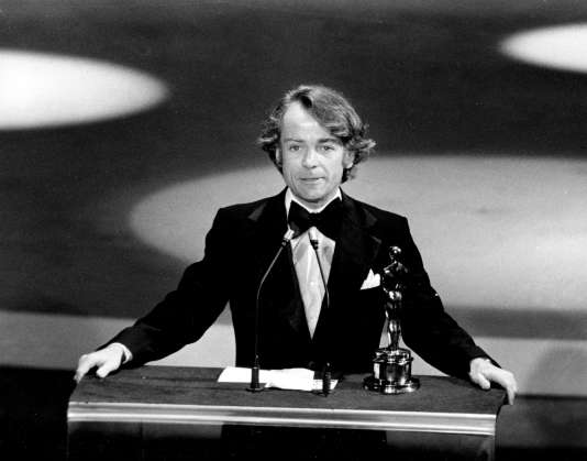 John G. Avildsen lors de la cérémonie des Oscars en 1977.