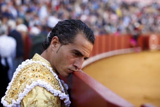 Le torero espagnol Ivan Fandino dans les arènes de RealMaestranzade Caballería à Séville (Espagne), le 26 avril 2015.