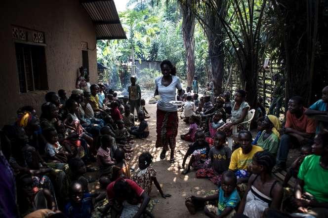 Distribution de nourriture dans un camp deKikwit, en République démocratique du Congo, en 2017.