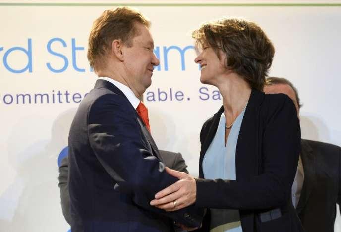 Le PDG de Gazprom, Alexei Miller, et la directrice générale d'Engie, Isabelle Kocher, le 24 avril, à Paris.