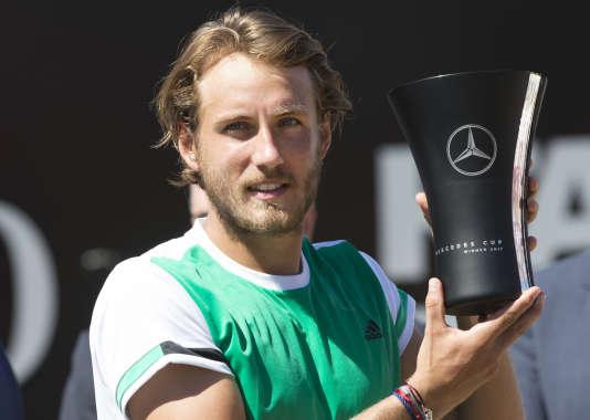 Lucas Pouille a remporté le tournoi de Stuttgart, dimanche 18 juin.