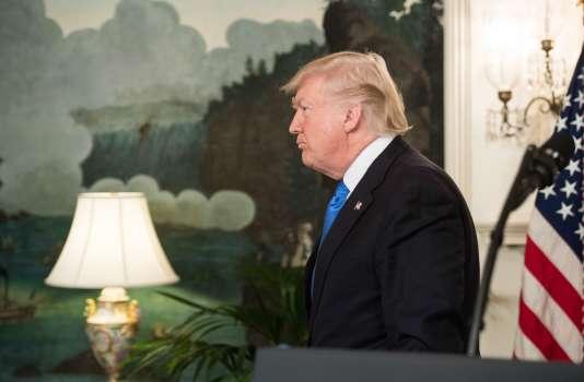 Donald Trump quitte la « diplomatic room» de la Maison Blanche après s'être exprimé sur la fusillade d'Alexandria (Virginie), le 14 juin.