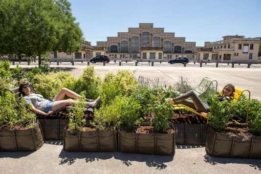 Conçu par le collectif Unqui Designers, «Inspire» propose une pause olfactive en plein coeur de ville.