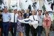 Gilles Simeoni, Pierre Saveli et Jean-Guy Talamoni célèbrent la victiore deMichel Castellani aux élections législatives, le 18 juin, à Bastia.